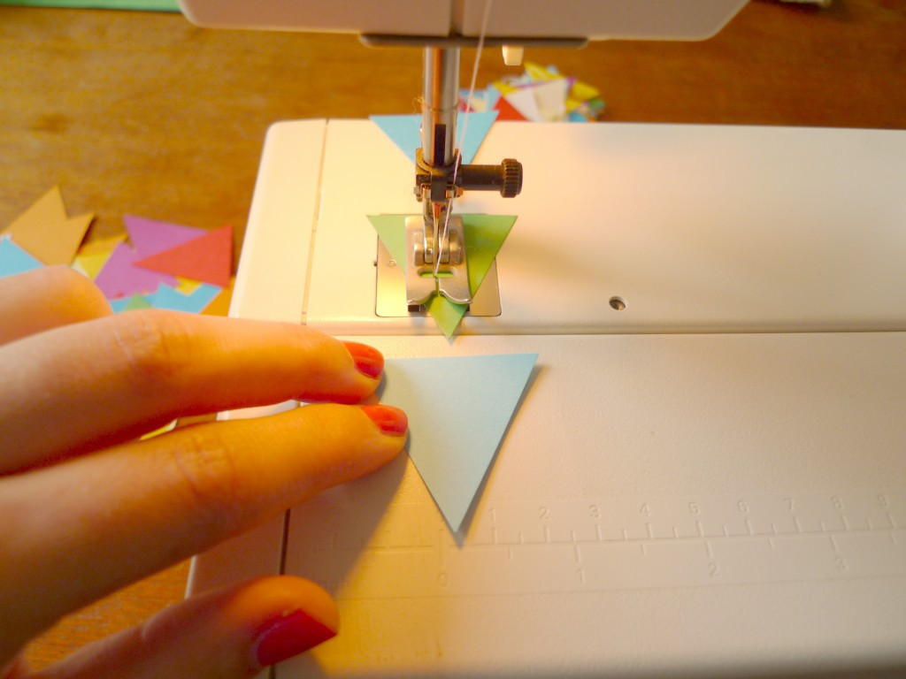 girlande-papier-dreieck-nähen-paperdesc